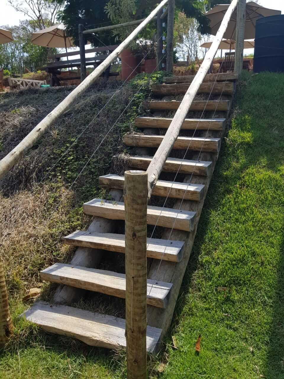 Escada de poste reciclado